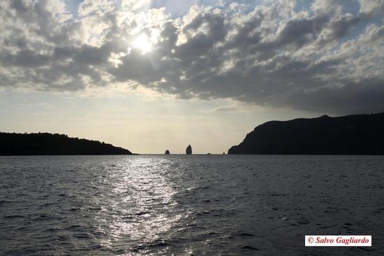 Faraglioni - Lipari (2453 clic)