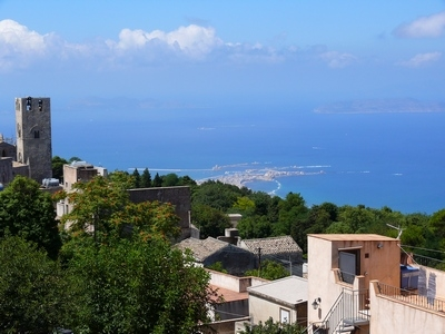 Vista su Trapani Levanzo e Favignana - Erice (5077 clic)
