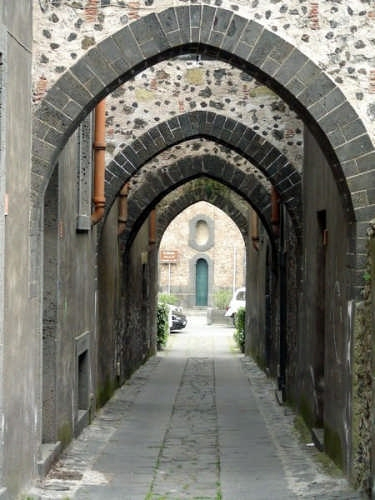 Via degli archi - Randazzo (4693 clic)