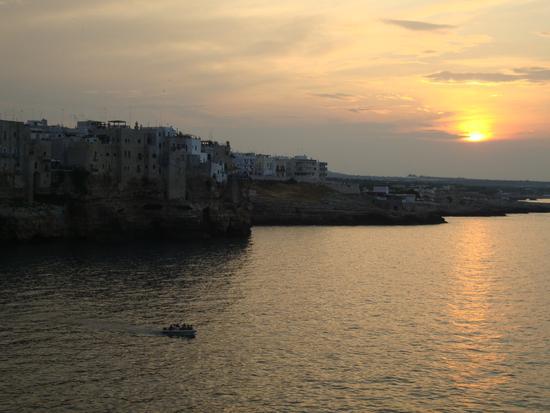 Tramonto a Polignano - Polignano a mare (4024 clic)