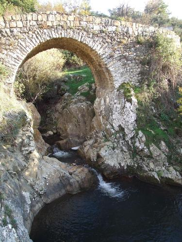 Ponte di San Brancaro - Parco delle Madonie - età romana - Petralia sottana (1540 clic)