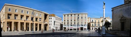 piazza sant'oronzo panoramica da Mammasisi B&B - Lecce (1235 clic)