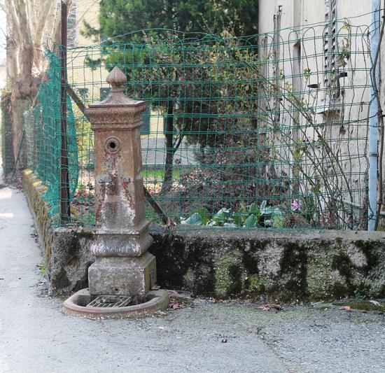 FONTANINA....... DIMENTICATA - Caravaggio (1144 clic)