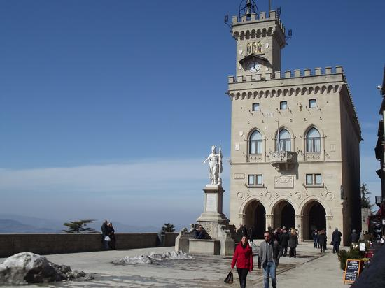 Piazza Della Libertà - San marino (1260 clic)