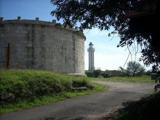 Mausoleo L.M.Planco e Faro - GAETA - inserita il 21-Mar-12