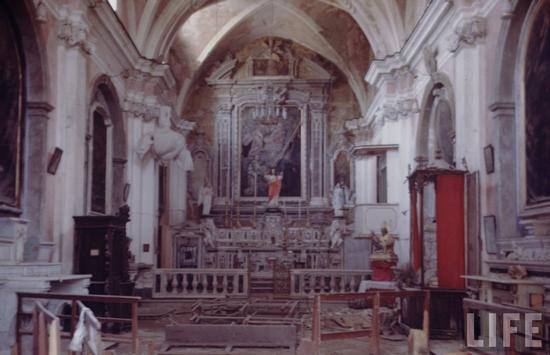 Chiesa di San Biagio con i danni dei bombardamenti - Gaeta (4131 clic)