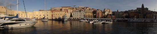 Molo Santa Maria dal mare - Gaeta (1283 clic)