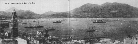 Il golfo di Gaeta pieno di navi - 1900 circa (3742 clic)