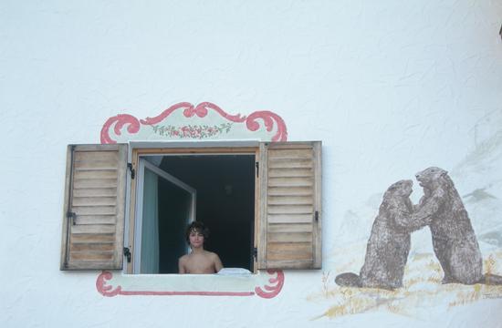 alla finestra, fuori dal mondo - San vigilio di marebbe (1680 clic)