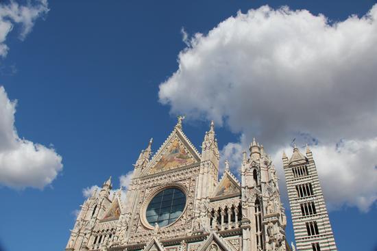il Duomo tra le nuvole - Siena (2903 clic)