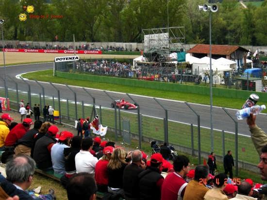 La mitica Ferrari - Imola (2898 clic)