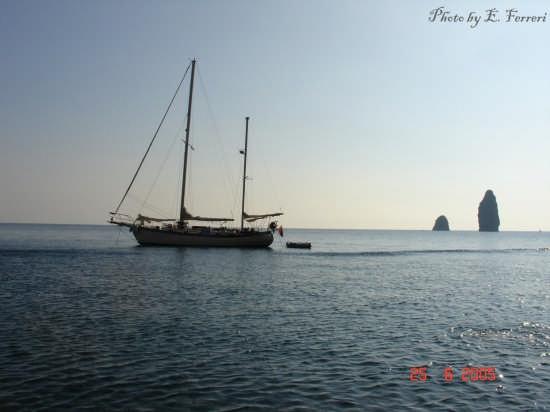 Faraglioni - Lipari (4266 clic)