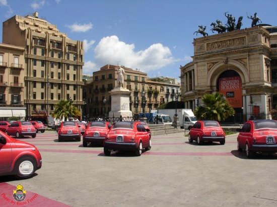 La nuova Fiat 500 a Piazza Politeama - Palermo (7274 clic)