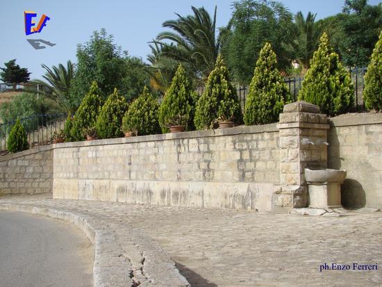 La fontana - Roccapalumba (5177 clic)