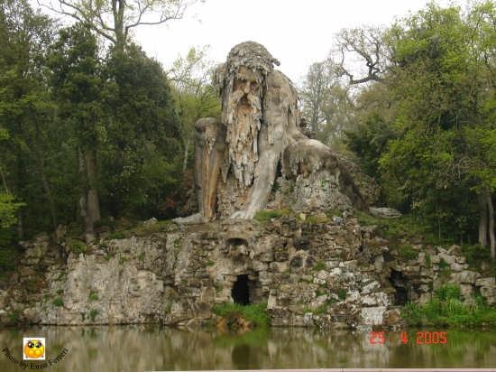 Il colosso dell'Appennino - Parco Demidoff - Vaglia (10770 clic)