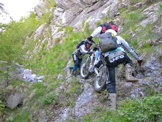 motoalpinismo - Alpi apuane (3235 clic)