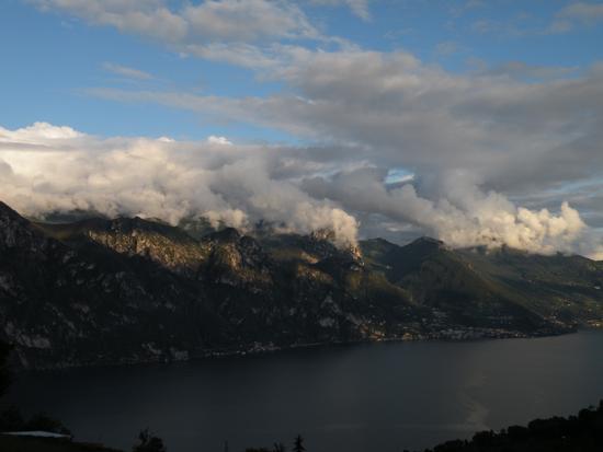 tramonto sul lago - Fonteno (1307 clic)