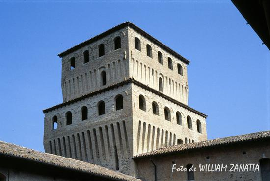 Torre del castello - Torrechiara (1301 clic)
