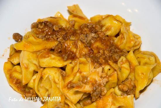 Cappelletti con il ragù di carne - Forlì (2942 clic)