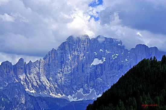 Vista sul Civetta - Passo fedaia (2122 clic)