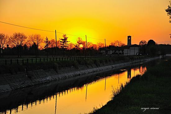 Tramonto sul canale Martesana - Gorgonzola (2182 clic)