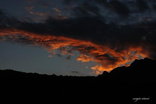 Ultimi raggi sulle nuvole - Rovereto (2137 clic)