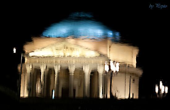 Chiesa della Gran Madre -riflesso - Torino (913 clic)