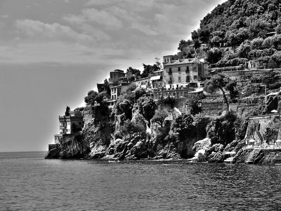Bel tratto di costiera poterci vivere....... - Ravello (2141 clic)
