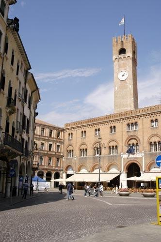Piazza dei Signori - Treviso (8125 clic)