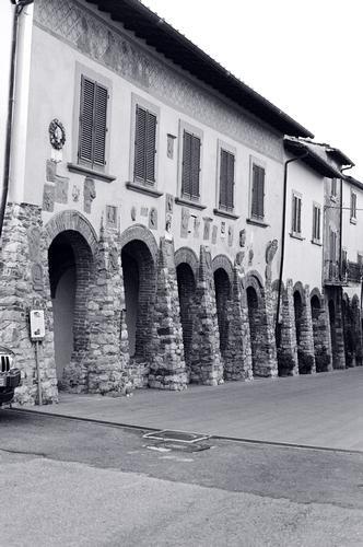 porticato - Civitella in val di chiana (2242 clic)