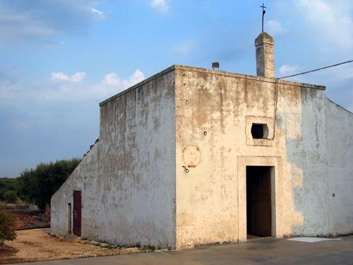 Tipica Chiesa rupestre  fine '700 - Conversano (2014 clic)