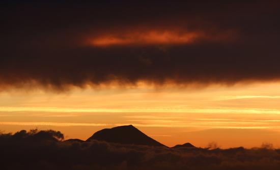 il Monte San Vicino al tramonto - Castelfidardo (901 clic)