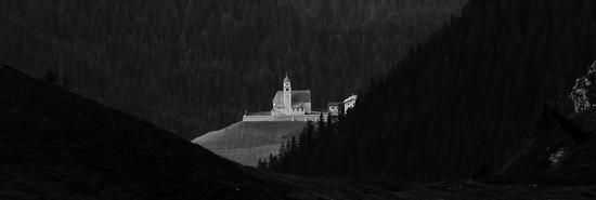 Chiesa di montagna - Colle santa lucia (733 clic)