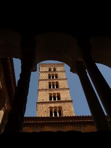 campanile romanico del monastero di Santa Chiara Subiaco (1927 clic)