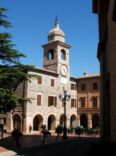 torre del palazzo municipale - Belforte del chienti (1421 clic)