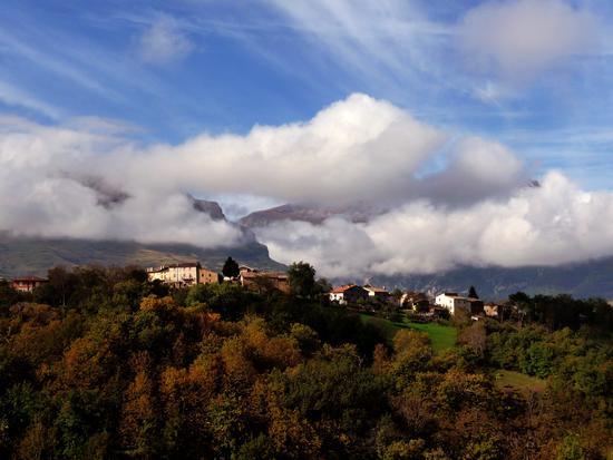 è arrivato l'autunno - Montemonaco (1680 clic)