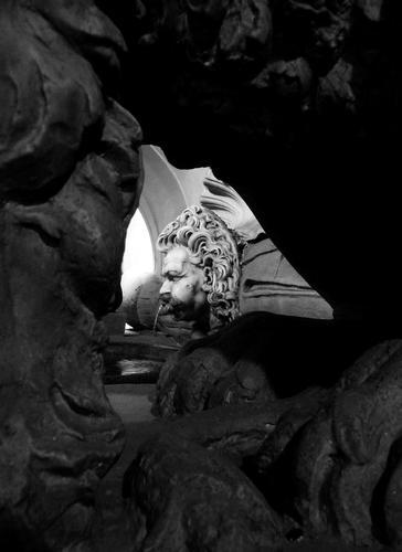 Fontanella con statue di leoni nel cortile del palazzo Vecchio Firenze (2616 clic)