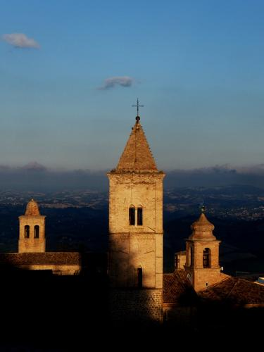 ogni chiesa il suo campanile - Penna san giovanni (1376 clic)