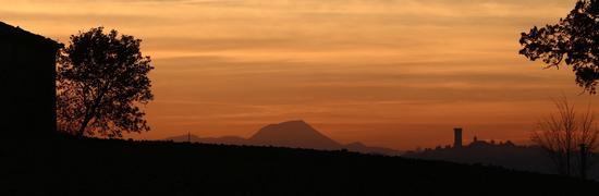 Paesaggio Marchigiano al tramonto - Recanati (1108 clic)