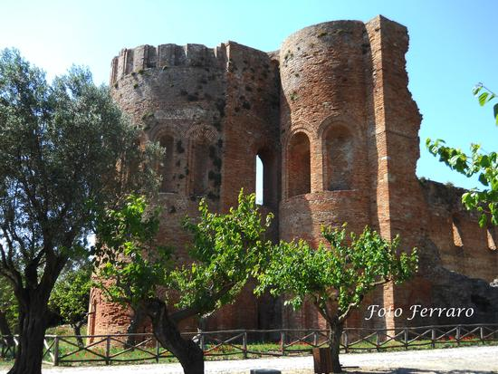 Parco della Roccelletta Basilica Bizantina - Borgia (2982 clic)