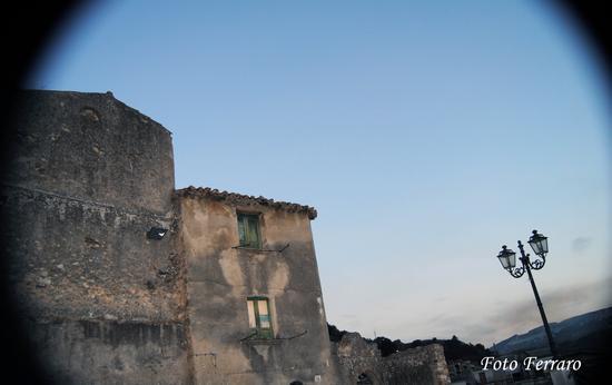 Scorcio di Mammola (1415 clic)