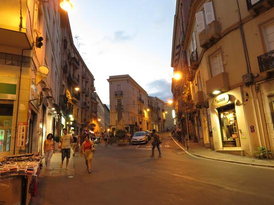 Piazza Martiri - Cagliari (884 clic)