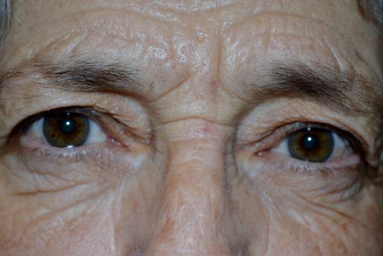 Grandma' eyes.  (479 clic)