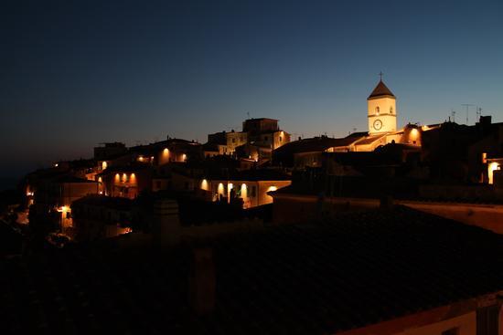Luci della notte - CAPOLIVERI - inserita il 01-Oct-12
