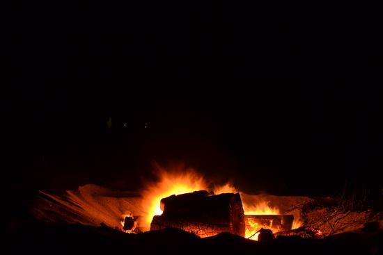 falò, il fuoco cova - Pellaro (1569 clic)