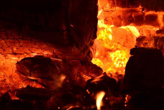 falò, il fuoco cova - Pellaro (1736 clic)