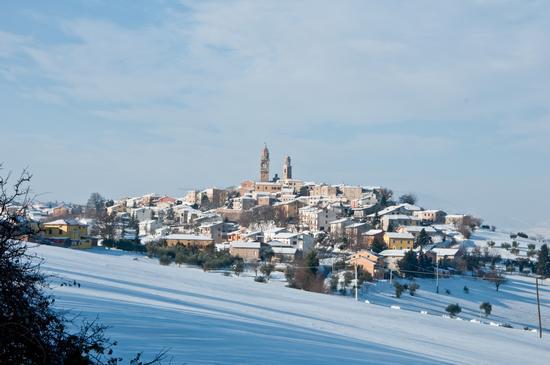 Orciano sotto la neve - Orciano di pesaro (4683 clic)