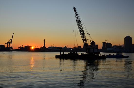 Tramonto sul porto - Genova (2305 clic)