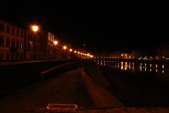 Pisa di notte (825 clic)