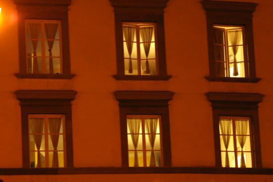 Finestre illuminate - Pisa (1729 clic)